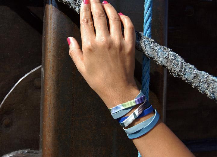 Bracelet manchette cuir et soie Ambre, bijou créateur
