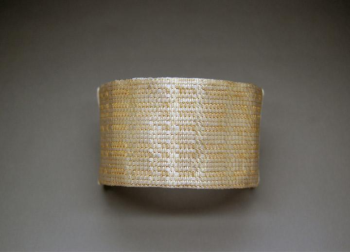 Bijou mariage bracelet manchette lamé de soie Nina