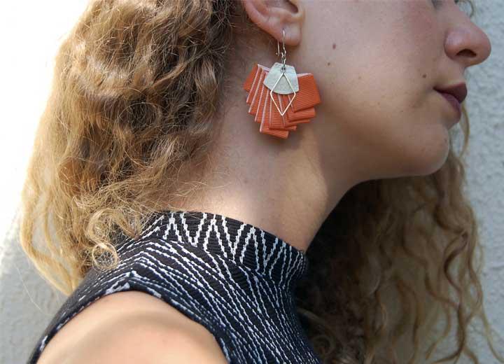 Boucles d'oreilles Georgia graphiques plissé orange ByrdCeeDesign