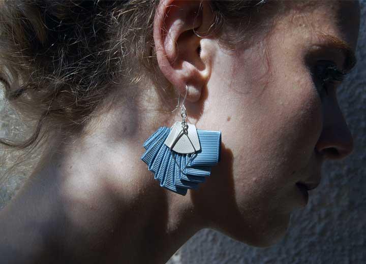 Boucles d'oreilles Rose plissé bleu céleste ByrdceeDesign