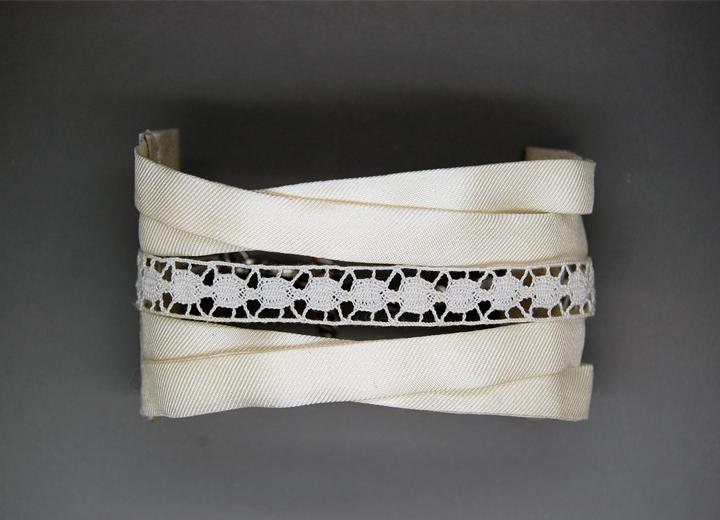 Bracelet soie lyonnaise et dentelle Bianca créateur ByrdCeeDesign