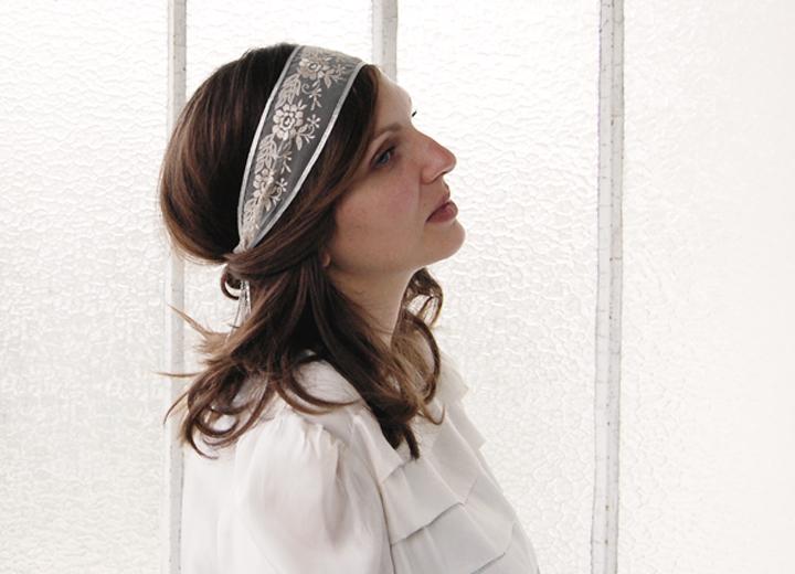 Headband dentelle mariage Léonor rose poudré argent ByrdCeeDesign
