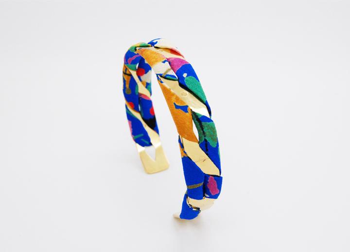 Bracelet manchette Anaïs or et soie fleurie bijou créateur ByrdCeeDesign