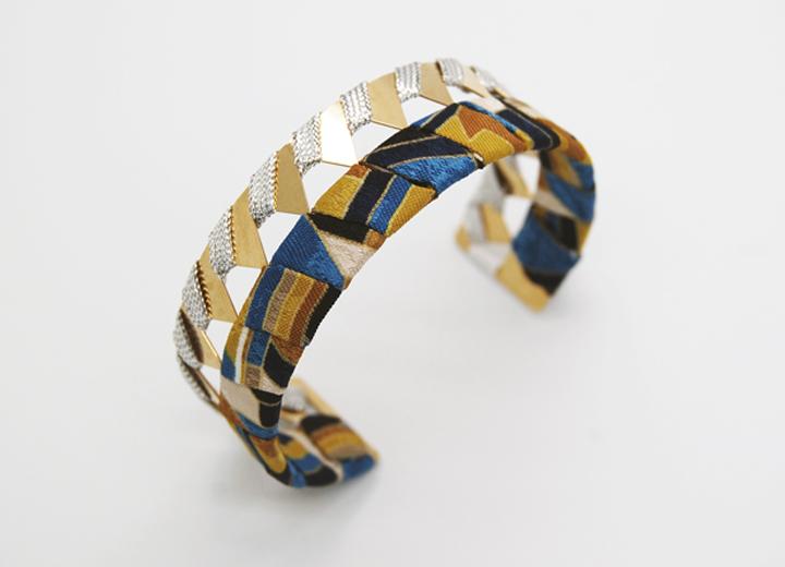 Bracelet manchette Icare or et soie bijou créateur ByrdCeeDesign