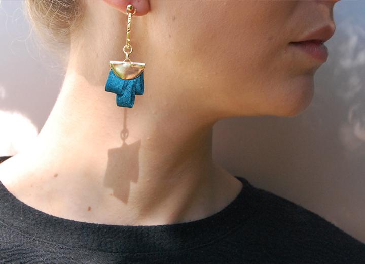 Boucles d'oreilles Clémence bleu paon made in France L'Orangerie Bijoux