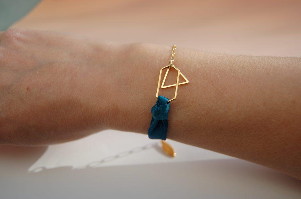 Bracelet Harper soie bleu paon or L'Orangerie Bijoux Made in France